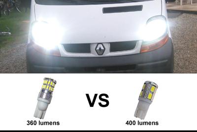 photo de comparaison entre la T10-36W-10-30v et la T10-W5W-10-5630-W